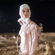 科幻片里的女人们怎么都那么时髦?