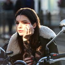 雅诗兰黛签约当红超模&社交媒体大咖Kendall Jenner