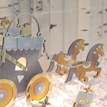 H&M定制圣诞主题橱窗亮相上海南京西路门店