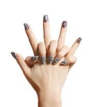 """简单几步将Chanel高级成衣""""穿""""上指尖"""