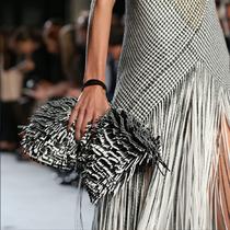 手掌心上的时尚和真实——Clutch Bags