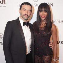 众明星身着Givenchy by Riccardo Tisci出席amfAR's Inspiration晚宴