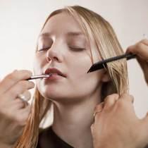 每个女人都应该知道的9个化妆技巧