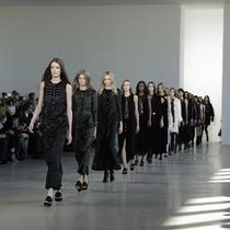 都市情色. Calvin Klein Collection 2015秋季女装系列 意想不到、对比的比例,碰撞并带到了生活