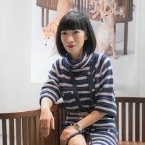 王丽仪跨界艺术圈演绎女王范