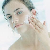 换季时节根据皮肤特性换洁面