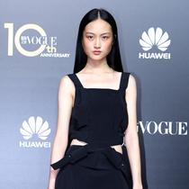 中国超模李静雯现身VOGUE十周年盛典