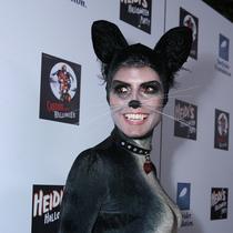 Heidi Klum用生命在过万圣节 她的妆容你敢尝试吗