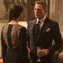 《007:幽灵党》:邦德又集齐三国女神……