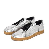 LOEWE罗意威推出全线运动鞋系列