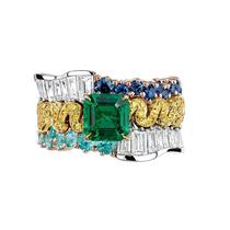 沉闷秋冬 用一件彩色珠宝提亮造型