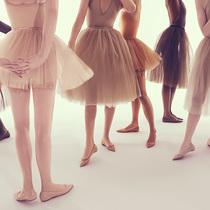 Christian Louboutin的裸肌魅力 找到属于自己的裸色系列