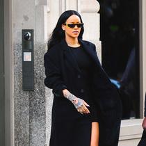 蕾哈娜街拍新风尚 叠加的魅力