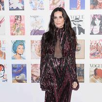 金·卡戴珊身着Roberto Cavalli出席《Vogue》100周年晚宴