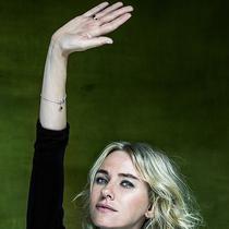 "BVLGARI宝格丽与""救助儿童会""携手Fabrizio Ferri 共推#Raise Your Hand举起你的手# 短片 共捐赠5000万美金,全球33个国家逾100万儿童受益"