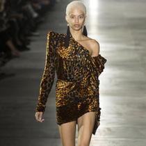 Suzy巴黎时装周  YSL:青春、性感与皮革
