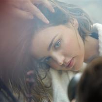 MARELLA携手超模米兰达·可儿(Miranda Kerr)打造秋冬丛林梦境
