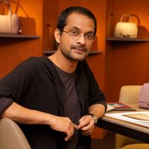 VOGUE专访MOYNAT品牌艺术总监Ramesh Nair-设计师聚焦
