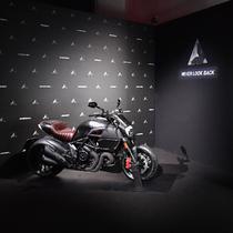 Diesel与Ducati再度携手推出大师级限量款Diavel