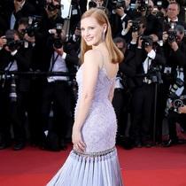 杰西卡·查斯坦身着Givenchy Haute Couture出席《玉子》首映礼