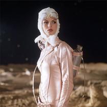 科幻片里的女人们怎么都那么时髦?-星话题