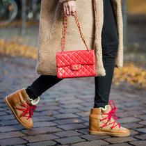 那些穿着高跟鞋到不了的地方,穿着雪地靴都可以-新宠