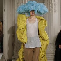Valentino高定系列,這一次最美的竟然不是裙子?-趨勢報告