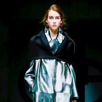 Giorgio Armani为什么是女星梦想中的红毯着装?-风格示范