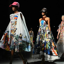 #SuzyLFW Mary Katrantzou: The Meaning Of Milestones-Suzy Menkes专栏