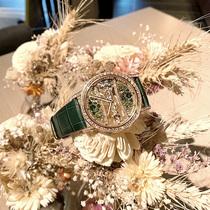 绿与蓝 源于自然的圣诞色彩 CORUM昆仑表献上金桥系列39毫米圆形腕表献礼圣诞-摩登腕表