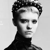 Prada 2019春夏女裝系列大片 親密二元性-時裝大片