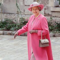 女王伊丽莎白二世最时尚剪影-风格示范