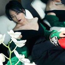 臻爱之礼 Prada推出520个性化定制系列-品牌新闻