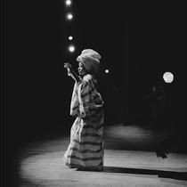 《Vogue》側寫傳奇攝影師 Kwame Brathwaite-時尚圈