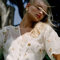 Olivia Von Halle 發布全新《沉睡魔咒2:惡魔夫人》合作款膠囊系列 迪士尼首次觸電時裝品牌跨界的誠意之作-品牌新聞