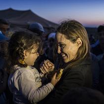 Angelina Jolie讲述全球难民危机-艺术