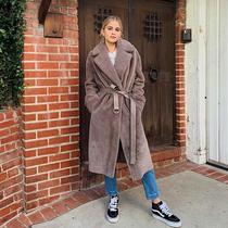 """今年流行""""X型""""收腰大衣 让你穿出纤腰好比例-时尚街拍"""