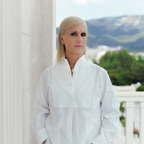 "Maria Grazia 雅典舉辦Dior大秀:""我希望強調這個國家的美麗""-趨勢報告"