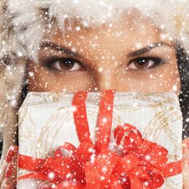 可送人可收藏的圣诞护肤礼盒