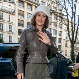 向往Bella Hadid和Mona Tougaard的穿衣风格?来看看2021年超模们都怎么穿