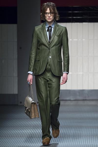 2015秋冬色彩趋势:质感橄榄绿