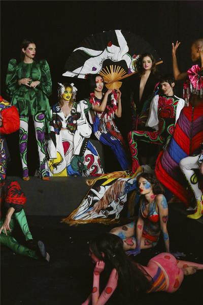 """""""高級時裝設計正在改變,而我的品牌恰恰就是證明"""":對話 Charles de Vilmorin,當季高級時裝設計界的 Z 世代超新星。"""