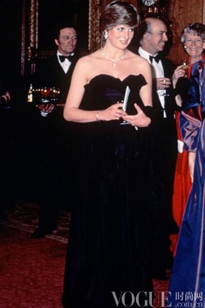 属于戴安娜王妃的经典时尚