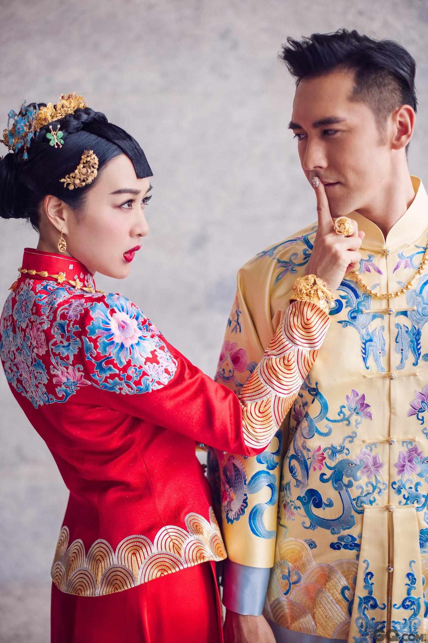 在宣布恋爱关系后,双方在各种场合高调秀爱。谈及婚后生活,张伦硕曾坦言自己和太太态度都很开放,不会抗拒有新的孩子降临。