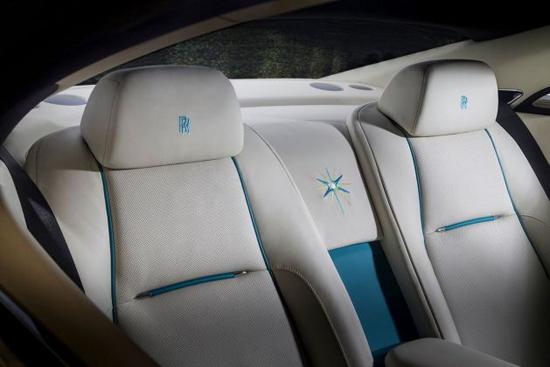 一系列带有船帆座典雅元素的细节均已被应用到劳斯莱斯汽车的所有车型,包括幻影车型、幻影双门轿跑车型、古思特车型及魅影车型,以天文为主题的船帆星座(Suhail)定制车型均采用独特的月亮石珠光漆配色,其设计灵感则来自深邃夜空中星座美轮美奂的景致。