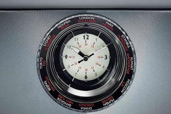 钟表对于豪华的诠释无可替代,劳斯莱斯要做的是,将精致与细节完善就好了。