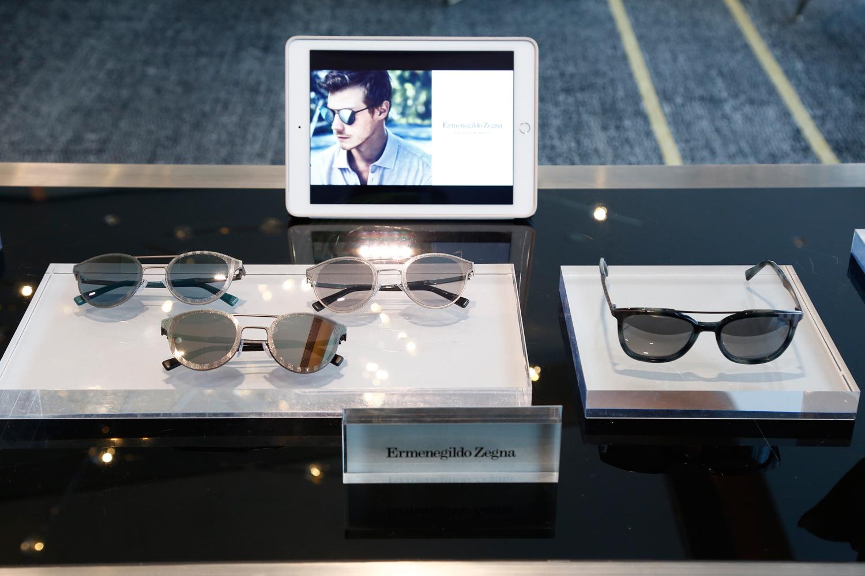 Ermenegildo Zegna荣幸地推出2017/2018全新秋冬眼镜系列,由Marcolin集团负责生产和经销。 全新系列中,传统意式风情融合时髦典雅,彰显现代隽永的魅力。