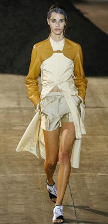 春夏趋势:裙裤组合