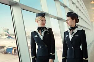 各式航空制服 谁更光鲜靓丽?