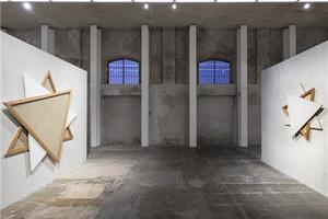 """Prada基金会在米兰展馆举办""""双面""""(Recto Verso)展览"""